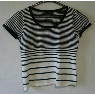 このコーデで使われているTシャツ/カットソー[ホワイト/ブラック]