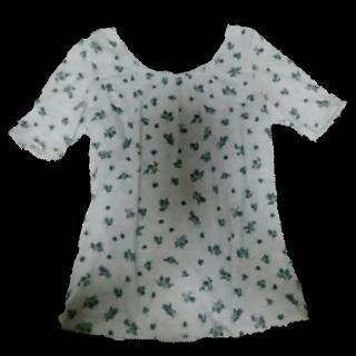 このコーデで使われている3can4onのTシャツ/カットソー[グレー/ブルー]