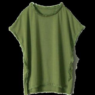 このコーデで使われているhappy急便のTシャツ/カットソー[カーキ]