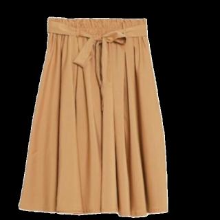 このコーデで使われているViSのひざ丈スカート[キャメル]