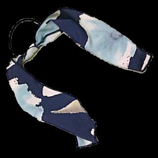このコーデで使われているTrois bijouxのヘアアクセサリー[ブルー/ネイビー/ホワイト/ベージュ/ブラック]