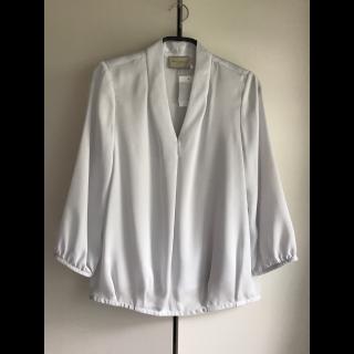 このコーデで使われているUNITED ARROWSのシャツ/ブラウス[ホワイト/グレー]