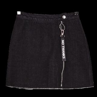 このコーデで使われているBershkaのミニスカート[ブラック]