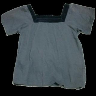 このコーデで使われているTシャツ/カットソー[ブラック/グレー]