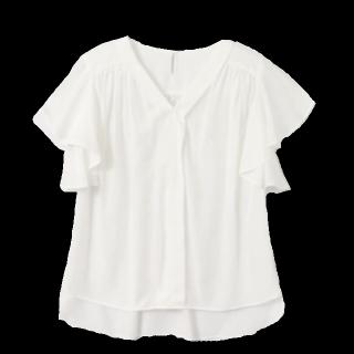 このコーデで使われているanatelierのシャツ/ブラウス[ホワイト]