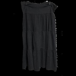 このコーデで使われているUNIQLOのマキシ丈スカート[ブラック/グレー]