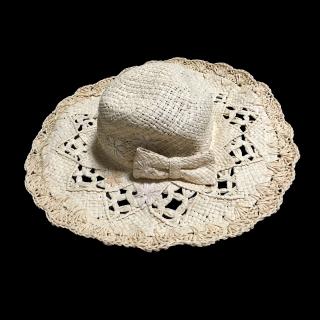 このコーデで使われているLIZ LISAの女優帽[ベージュ]