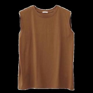 このコーデで使われているGUのTシャツ/カットソー[キャメル]