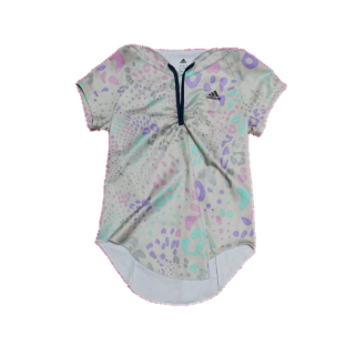 adidasのTシャツ/カットソー