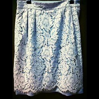 このコーデで使われているDebut de Fioreのひざ丈スカート[グレー]