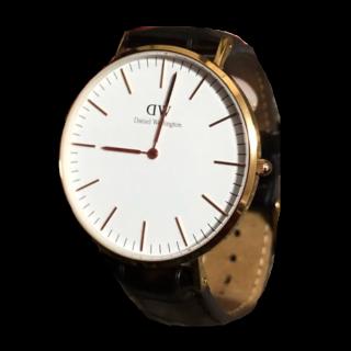 このコーデで使われているDaniel Wellingtonの腕時計[ホワイト/ブラウン/ゴールド]