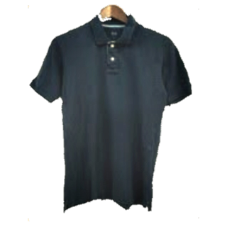このコーデで使われているUNIQLOのポロシャツ[ネイビー]