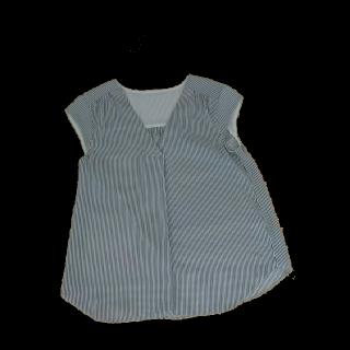 このコーデで使われているJewel Changesのシャツ/ブラウス[ネイビー]