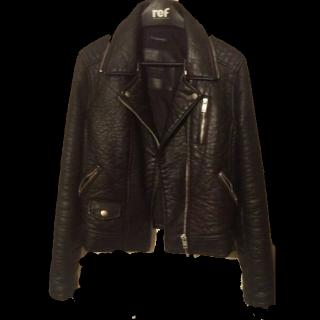 このコーデで使われているZARAのレザージャケット[ブラック]