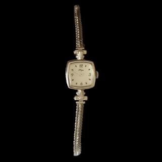 このコーデで使われているNOJESSの腕時計[シルバー]