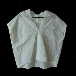 このコーデで使われているSamansa Mos2 Blueのシャツ/ブラウス[ホワイト]