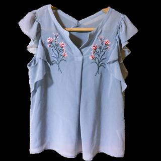 このコーデで使われているJILL by JILLSTUARTのシャツ/ブラウス[ブルー]