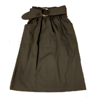 このコーデで使われているGUのひざ丈スカート[カーキ]