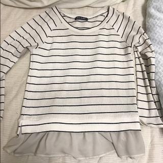 このコーデで使われているCECIL McBEEのTシャツ/カットソー[ホワイト/ネイビー]