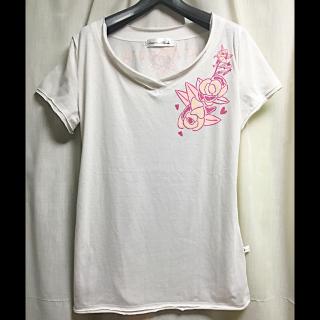 このコーデで使われているKAWAI OKADAのTシャツ/カットソー[ホワイト]