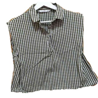 このコーデで使われているZARAのシャツ/ブラウス[カーキ]