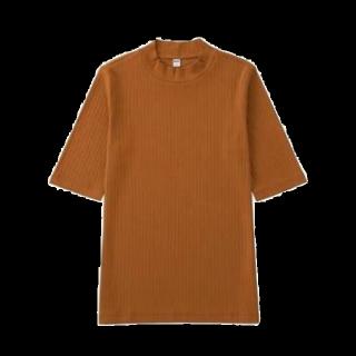 このコーデで使われているUNIQLOのTシャツ/カットソー[オレンジ]