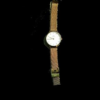 このコーデで使われているDaniel Wellingtonの腕時計[ホワイト/ゴールド]