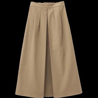 このコーデで使われているGUのマキシ丈スカート[ベージュ]