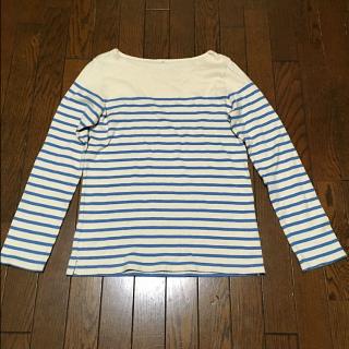 このコーデで使われているMUJIのTシャツ/カットソー[ホワイト/ブルー]