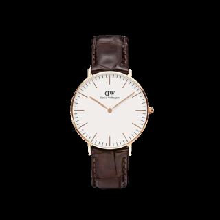 このコーデで使われているDWの腕時計[ブラウン]