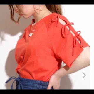 このコーデで使われているWEGOのTシャツ/カットソー[オレンジ]