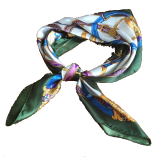 このコーデで使われているスカーフ[グリーン/ゴールド/ブルー/パープル/ホワイト]