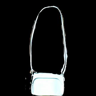 このコーデで使われているagateのショルダーバッグ[ホワイト]