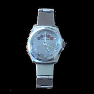 このコーデで使われているPaul Smithの腕時計[シルバー]