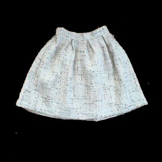 このコーデで使われているanatelierのひざ丈スカート[ホワイト/ピンク/その他]