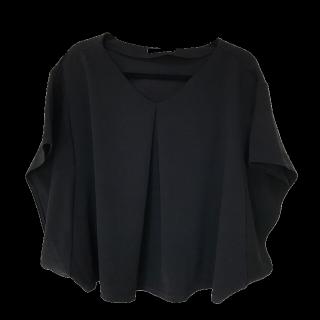 このコーデで使われているしまむらのTシャツ/カットソー[ブラック]