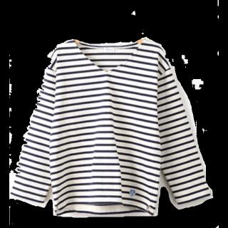このコーデで使われているOrcivalのTシャツ/カットソー[ホワイト/ネイビー]
