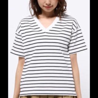 このコーデで使われているWEGOのTシャツ/カットソー[ホワイト/ブラック]