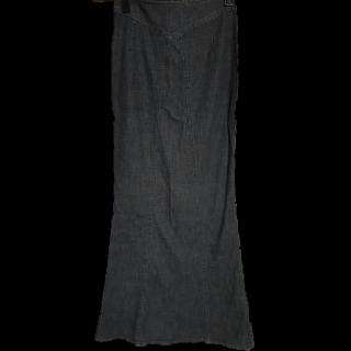 このコーデで使われているマキシ丈スカート[ブラック]