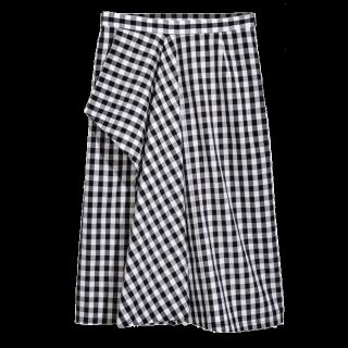 このコーデで使われているH&Mのスカート[ホワイト/ブラック]