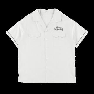 このコーデで使われているEhyphen world galleryのTシャツ/カットソー[ホワイト/ピンク]