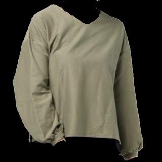 このコーデで使われているearth music&ecologyのTシャツ/カットソー[カーキ]