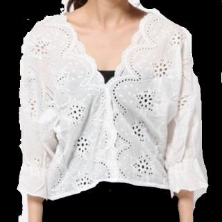 このコーデで使われているandjのシャツ/ブラウス[ホワイト]