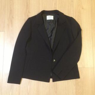 STUDIOSのテーラードジャケット