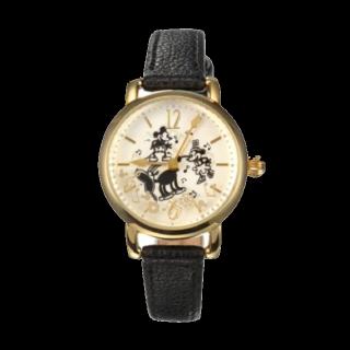 このコーデで使われているDisney Storeの腕時計[ブラック/ゴールド]