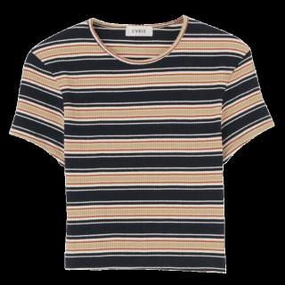 このコーデで使われているEVRISのTシャツ/カットソー[ブラック/ベージュ/キャメル/レッド]