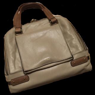 このコーデで使われているFURLAのハンドバッグ[キャメル/ブラウン/ベージュ]