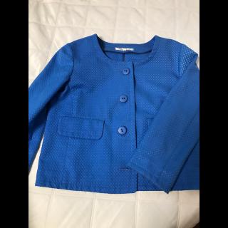 このコーデで使われているJUNKO SHIMADAのノーカラージャケット[ブルー]