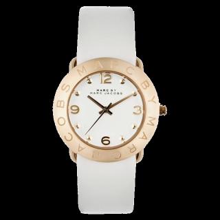 このコーデで使われているMarc by Marc Jacobsの腕時計[ホワイト/ゴールド]
