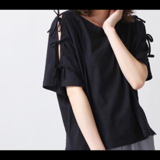 このコーデで使われているWEGOのTシャツ/カットソー[ブラック]